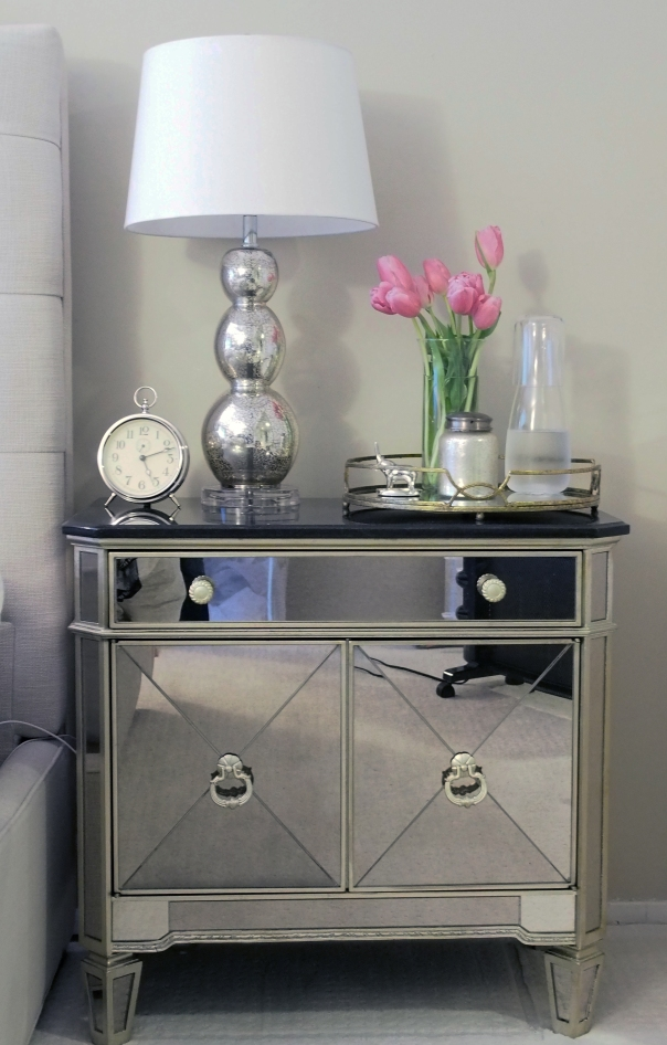 bedroom nightstand decor